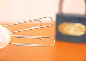 Como abrir un candado con dos clips